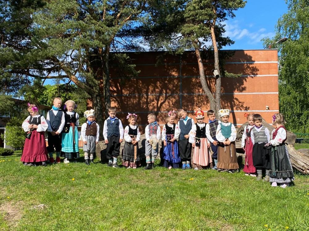 """Folkloro festivalis """"Virš marių saulele, o širdy – giesmelė"""""""